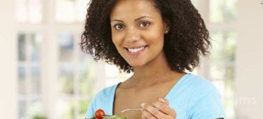 healthy-eating-mother-enjoys-fruits