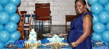 mumsvillage-kenyan-woman-blue-baby-shower